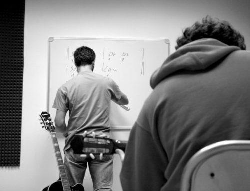 La lezione di chitarra